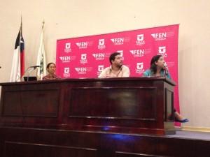 Javier Farías y Karla Moreno presentando en la Universidad de Talca.