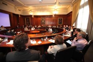 En el Salón de Honor de la Casa Central de la UC se realizó una solemne reunión con las principales autoridades y directores del proyecto The Clover.