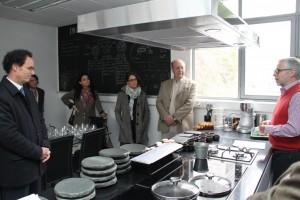 El profesor José Miguel Aguilera definió la unidad como un espacio de colaboración entre chefs e ingenieros en alimentos.