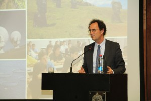 El decano de Ingeniería UC Juan Carlos de la Llera destacó la importancia del emprendimiento para el desarrollo del país.