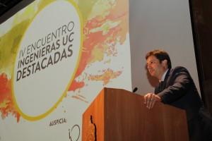 Para dar inicio al encuentro el vicedecano Pedro Bouchon destacó la variedad de opciones que pueden realizar los alumnos a lo largo de la carrera.