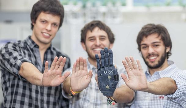 Desde 2015 que los alumnos de Ingeniería UC Luis Cubillos, Vicente Opaso y Hannes Hase se encuentran trabajando en esta tecnología.