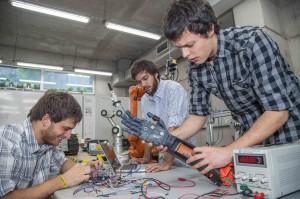 Desde 2015 que los alumnos de Ingeniería UC Luis Cubillo, Vicente Opaso y Hannes Hase se encuentran trabajando en esta tecnología.