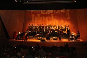 """Uno de los principales eventos que protagonizó el Coro de Ingeniería UC fue el concierto """"Black music"""" que congregó a cerca de 500 asistentes."""