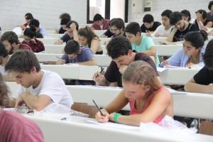 Durante las últimas dos semanas de enero los alumnos novatos de Ingeniería UC participarán de cursos de reforzamiento en precálculo con el fin de prepararse académicamente para la asignatura de Cálculo I