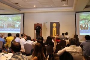 El decano Juan Carlos de la Llera en la presentación que dio inicio a la Jornada.