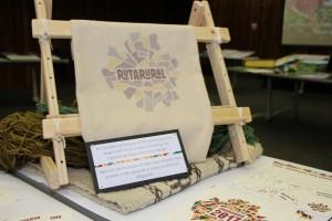 """""""RutaRural"""", sitio web que permitirá a las comunidades de Pucón ofrecer nuevas experiencias para turistas extranjeros mediante la recolección de frutos silvestres, el trabajo con la tierra y trekking, entre otras actividades, creado por alumnos de la USM."""