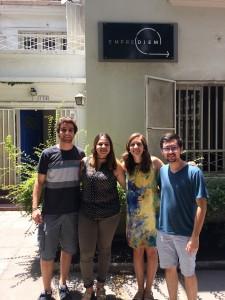Estudiantes de Ingeniería UC que realizaron prácticas en Emprediem junto a sus supervisoras.