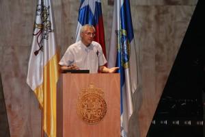 A las 18:00 horas en el auditorio del Complejo Andrónico Luksic Abaroa el profesor Yadran Eterovic, director asociado de Pregrado, dictó charla sobre desafíos del primer año universitario.