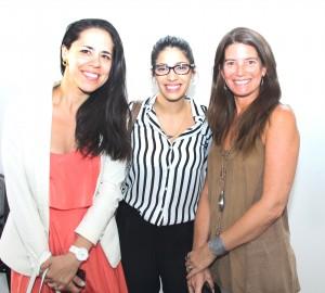 En la foto (de izquierda a derecha):  Francisca Yáñez, technology consulting manager en Accenture. Carolina Nieto, encargada de Inclusión Accenture y Soledad Ferrer, directora de la Dirección de Responsabilidad Social de la Escuela de Ingeniería UC.