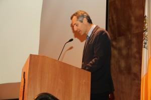 Ricardo Giesen, director del departamento de Ingeniería de Trasnporte y Logística, aprovechó la oportunidad para presentar a los profesores nuevos.