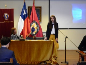María Molinos realizó una presentación sobre su investigación.