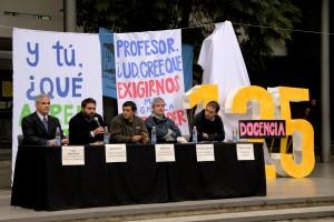Docentes debatieron sobre exigencia v/s aprendizaje y docencia v/s academia.