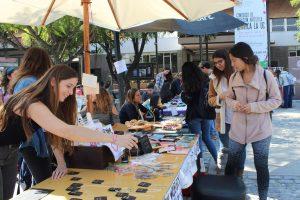 Feria de emprendimientos de alumnas