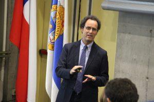 Decano Juan Carlos de la Llera en Seminario CIGIDEN