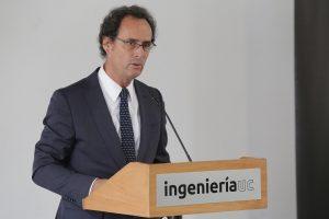 Decano de Ingeniería, Juan Carlos de la Llera, en ceremonia de inauguración.
