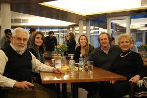 Familiares y amigos de alumnos que participaron en IUCDF
