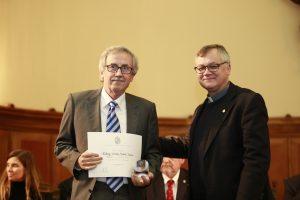 Reconocimiento por 35 años de trayectoria a Rodrigo Jordán, profesor del Departamento de Ingeniería Estructural y Geotécnica