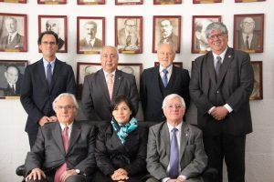 Autoridades universitarias en Instituto de Ingenieros de Chile