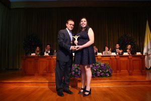 Ángela Parra - Premio Espíritu UC